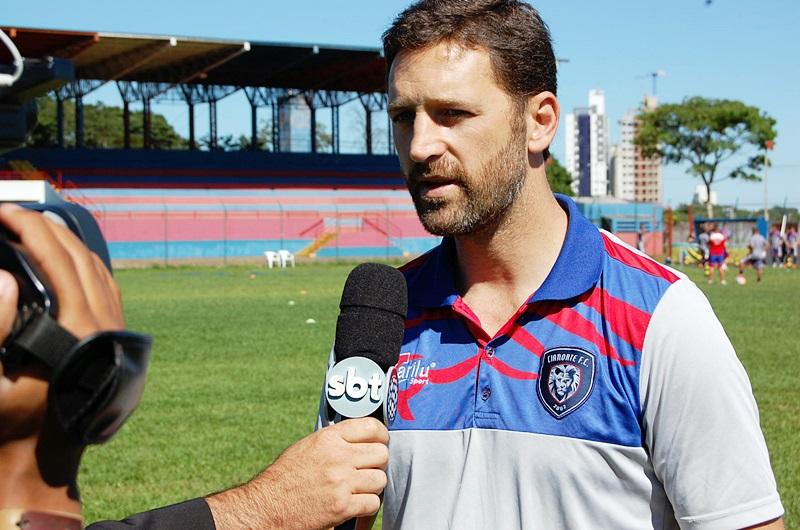 Antes de iniciar as atividades, Marcelo Caranhato atendeu a imprensa.